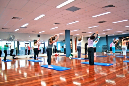 Yoga_Class_at_a_Gym4
